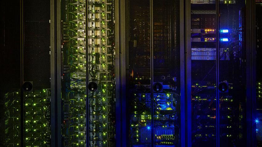 سرور HPEProLiant DL580 G10 نسل دهم سرورهای کمپانیHP